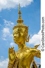 Gold statue at Wat Phra Kaew