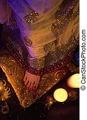 Golden Bridal Oriental Jewelry and Accessories: Female foot with Indian Jewellery