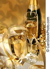 Golden champagne sparkle
