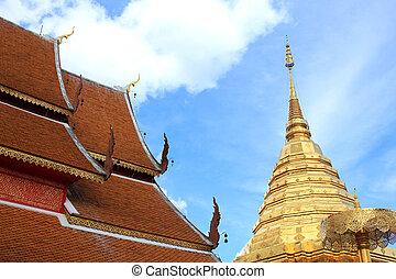 Golden chedi at Chiang Mai, Thailand