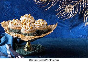 Golden cupcakes for christmas