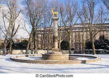 golden deer, statue in Berlin-Sch?n