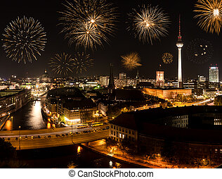 golden fireworks in berlin