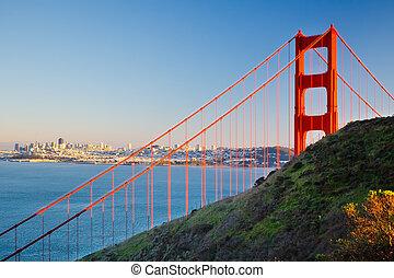 Golden Gate Bridge and city of Sun Francisco - Golden Gate ...