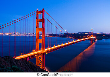 Golden Gate Bridge at night - Golden Gate Bridge in San...
