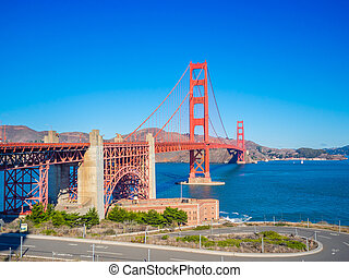 Golden Gate Bridge in San Francisco, California, USA . -...