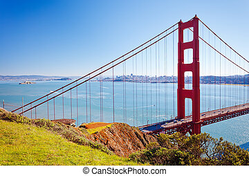 Golden Gate bridge - Golden Gate Bridge at sunny day