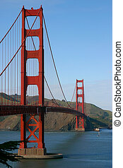 Golden Gate Bridge, San Francisco - The GGB as viewed from...