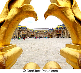 golden gates to Versailles castle/ France.