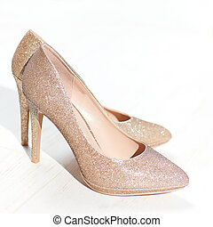 golden high heel shoes, pointy pump shoe