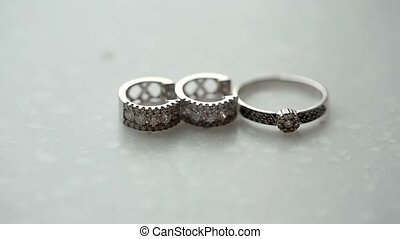 Golden ring and earrings with diamonds