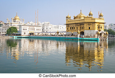 Golden temple, Amritsar, India - Golden Temple/Darbar Sahib,...