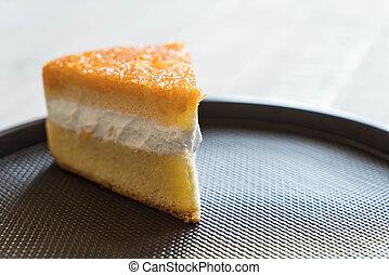 golden threads cake