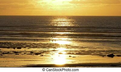 goldener sonnenuntergang, an, schottische , sandstrand, -, gebürtig, version