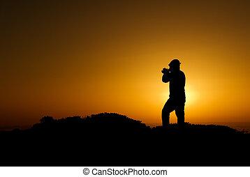 goldenes, kameramann, silhouette, morning., licht