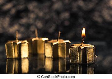 goldenes, kerze beleuchtete, für, zuerst, advent