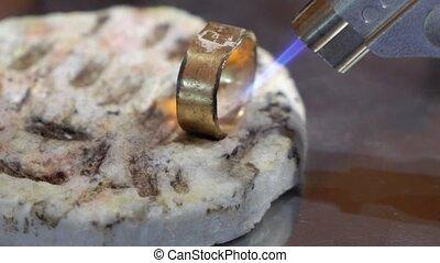 goldsmith, anneau, inachevé, fonctionnement