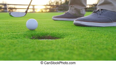 golf, adulte, sunset., frapper, tee, closeup., balle, homme