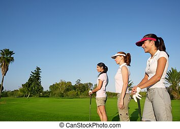 golf, tres, mujer, consecutivo, hierba verde, curso