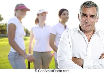 golfen, älter, golfspieler, mann, porträt, in, grün, couse, draußen