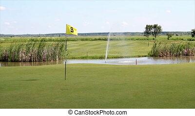 golfen, feld, mit, fahne, und, teich