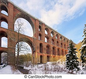 Goltzsch valley bridge in winter 01