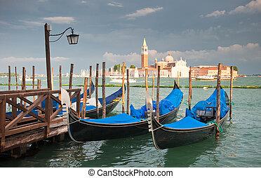 gondeln, an, großartiger kanal, venedig, italien