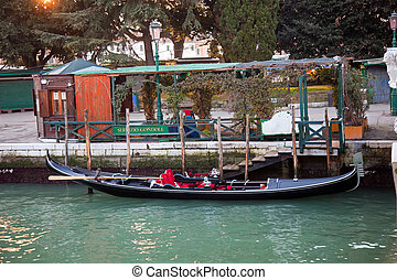 Gondola at servizio gondole station in Venice