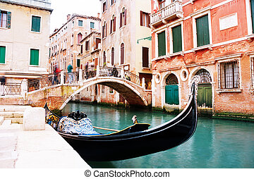 Gondola docks near Calle Zancani street