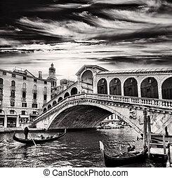 Gondolier, Rialto Bridge, Grand Canal, Venice, Italy