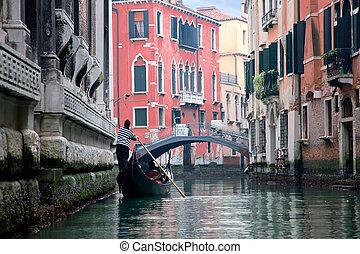 gondoliero, navegación, en, venecia, canal