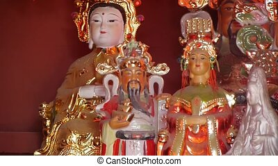 Gorgeous statues.Chinese God