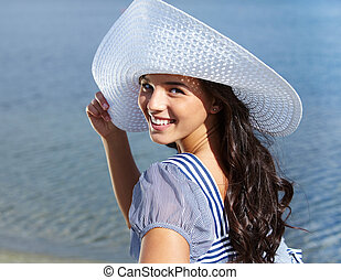 Gorgeous woman - Portrait of pretty young lady in hat ...