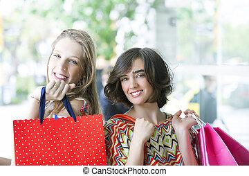 gorgeus, flickor, gående shoppa