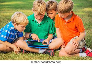 gosses, à, tablette, informatique