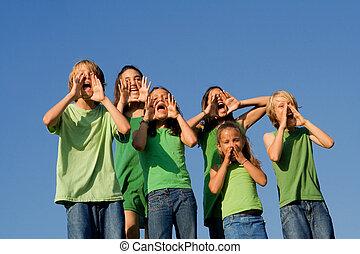 gosses école, groupe, cris, applaudissement, chant, ou, heureux