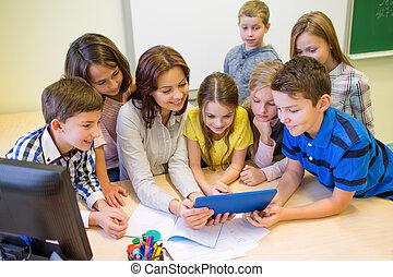 gosses école, groupe, pc tablette, prof
