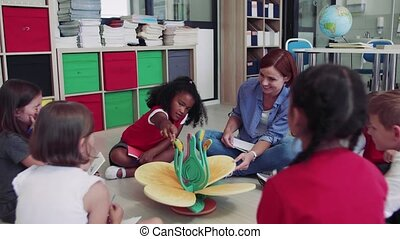 gosses école, learning., groupe, séance, petit, plancher, classe, prof
