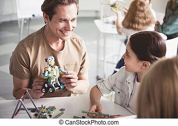gosses, robot, utilisation, pendant, leçon, mâle, content