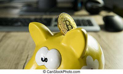 gouden, bitcoin, op, de, piggy bank , spaarpot, met, een, computer, op, achtergrond., cryptocurrency, investering, concept., btc, munt, als, symbool, van, elektronisch, feitelijk, geld., web, bankwezen, netwerk, payment.