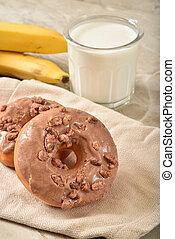 Gourmet Cinnamon Streusel Donuts - Gourmet cinnamon donuts ...