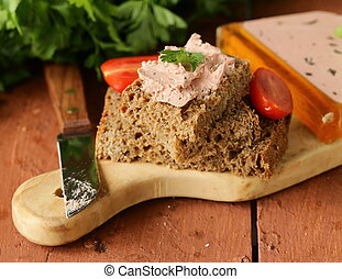 gourmet liver pate with rye bred - gourmet liver pate with...