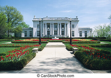 Governor\\\'s Mansion in Frankfort Kentucky in the spring