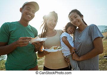 gozar, desayuno, familia feliz, en, el, mañana