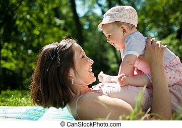 gozar vida, -, feliz, madre, con el niño