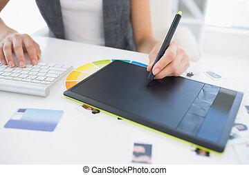 gráficos, hembra, utilizar, redactor, tableta, foto