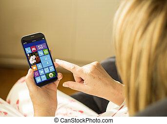 gräns flat, kvinna, smartphone, teknologi