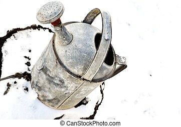 grå, antikvitet, vattning kunna, in, vinter