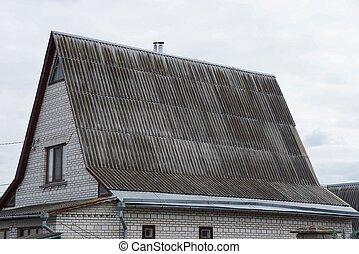 grå, vindsvåning, hus, griffeltavla tak, fönster, del, under, tegelsten