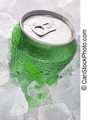 grön, kan, av, mousserande, mjuk dricka, sätta, in, is